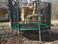"Apartment in rental/rent attractions ""Trampoline mesh"", ""Sumo"", ""Ndown"