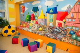 "Children's playroom in fitness center ""Salamander"""