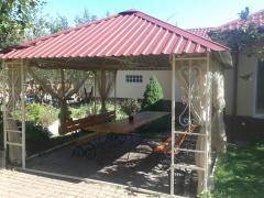 Дом посуточно c теплым бассейном на Десне