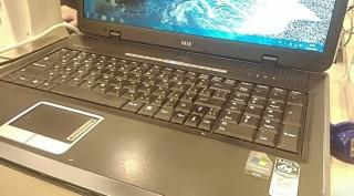 Великан! Практически новый ноутбук MSI ER710 (батарея 2 час)